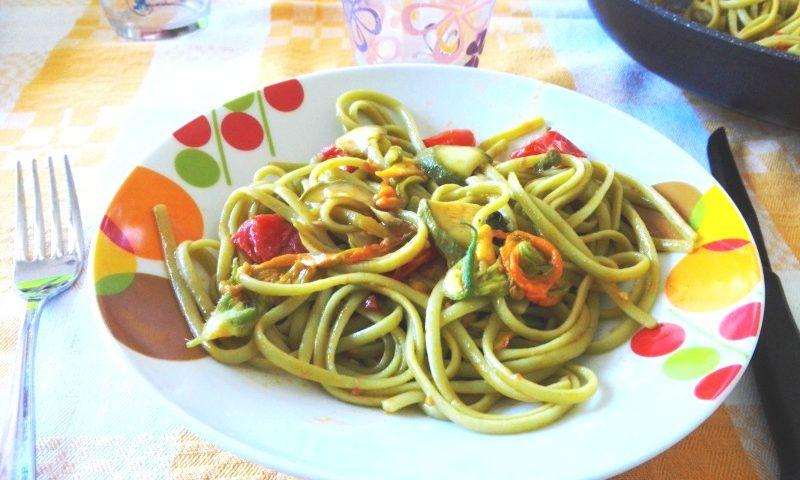 ricetta_linguine_fioridizucca_zucchine_pomodori